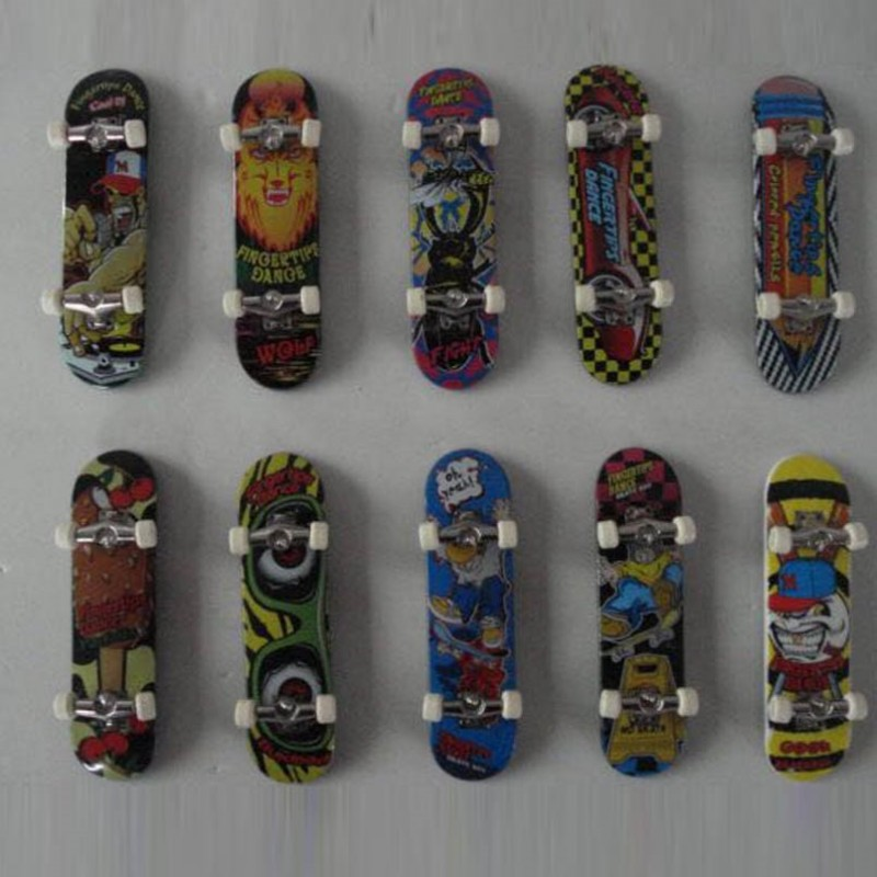 Mini Alloy Finger Skating Board Venue Combination Toys Children Skateboard Ramp Track Educational Toy Set For Boy Birthday Gifts